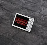 Stranger Things logo in televisie pin - Filmspullen