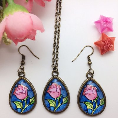 Beauty and the Beast set: ketting en oorbellen