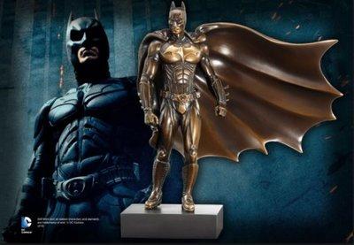 Batman bronzen beeld met sokkel