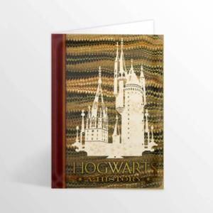 Hogwarts: A History wenskaart [MinaLima] - filmspullen.nl