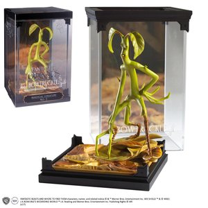 Fantastic Beasts: Magical Creatures: Bowtruckle Pickett diorama - Filmspullen.nl